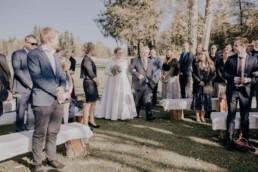 Braut und Vater bei freier Trauung am Harlachberg fotografiert von Martina Feicht, Fotografin für Hochzeiten in Niederbayern und Österreich