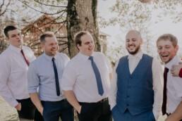 Bräutigam und Freunde fotografiert von Martina Feicht Fotografie, für Hochzeiten in Niederbayern und Österreich