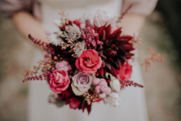 Brautstrauß bei Hochzeit am Standesamt in Passau, fotografiert von Martina Feicht Fotografie
