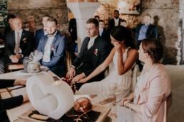 Emotionale Trauung Sektempfang, fotografiert von Fotografin für Hochzeiten Martina Feicht, Passau