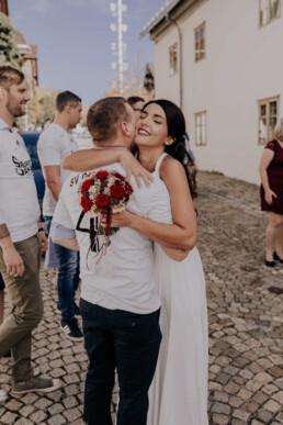 Glückwünsche an die Braut, fotografiert von Fotografin für Hochzeiten Martina Feicht, Passau