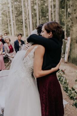 Glückwünsche für die Braut Waldhochzeit fotografiert von Martina Feicht Fotografie