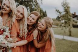 Brautstrauss in herbstlichen Farben, Martina Feicht Fotografie und mit den Bridemaids und Brautjungfern
