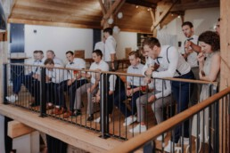 Begeisterte Hochzeitsgäste bei der Herbsthochzeit in Passau und in München