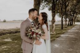 First Look mit den Brautpaar kurz vor der Trauung in Dingolfing