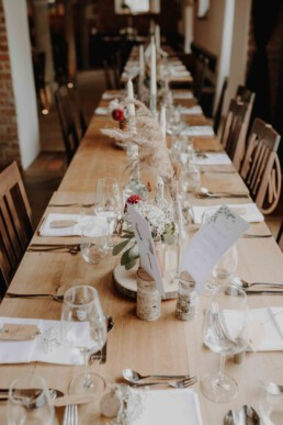 Tischdekoration Hochzeit am Brautpaartisch in Passau und Österreich