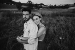 Coupleshooting in Bayern mit verliebtem Paar fotografiert von Martina Feicht Fotografie