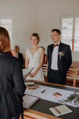 Standesamtliche Trauung in Metten bei Deggendorf fotografiert von Martina Feicht Fotografie